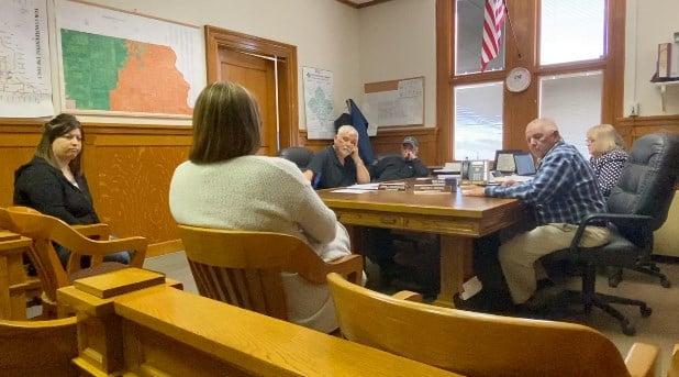 Richardson County discusses hiring freeze