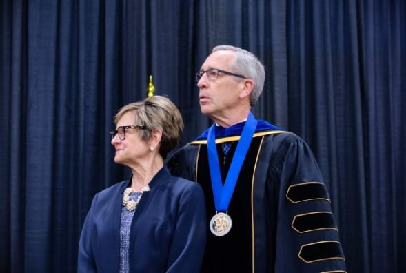 Hansons honored at Peru State