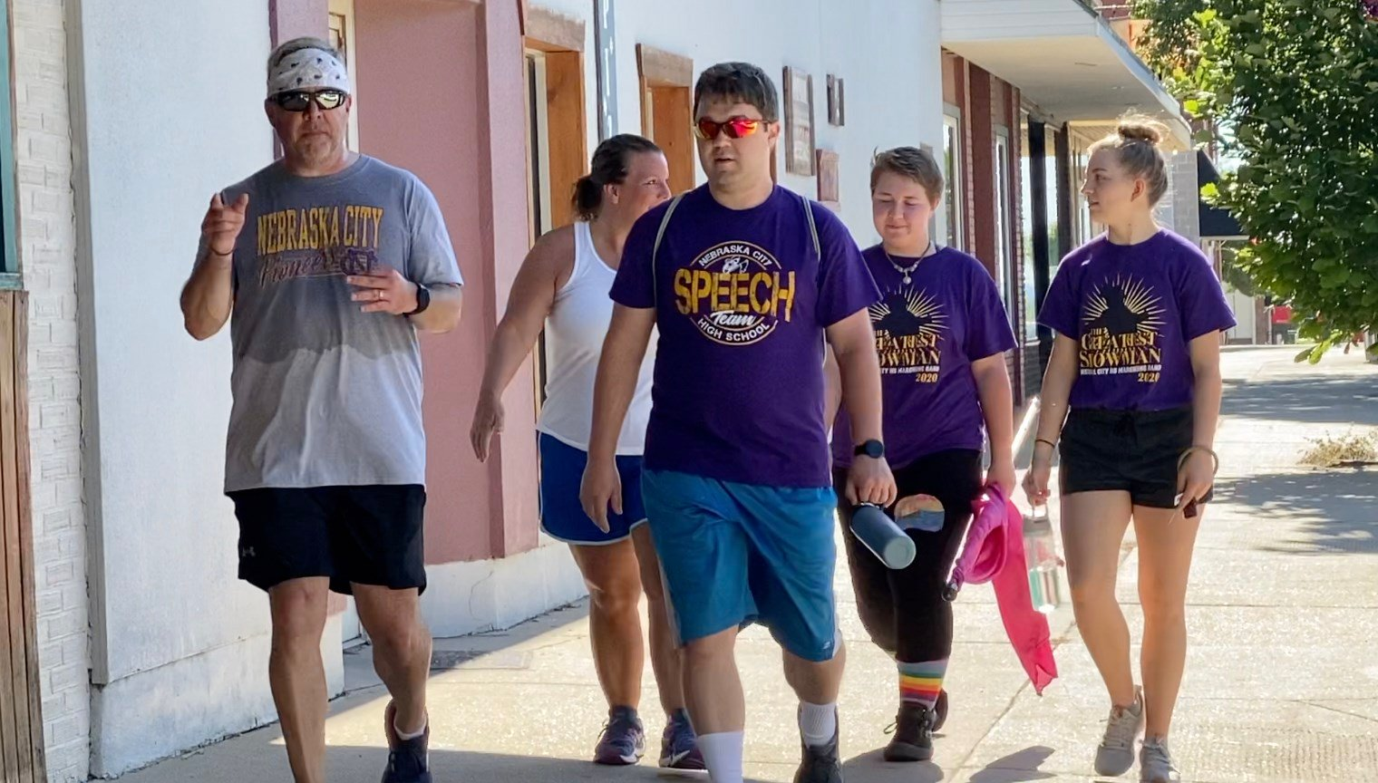 Mr. Hoover sets swift pace for Pioneeer fine arts walk-a-thon