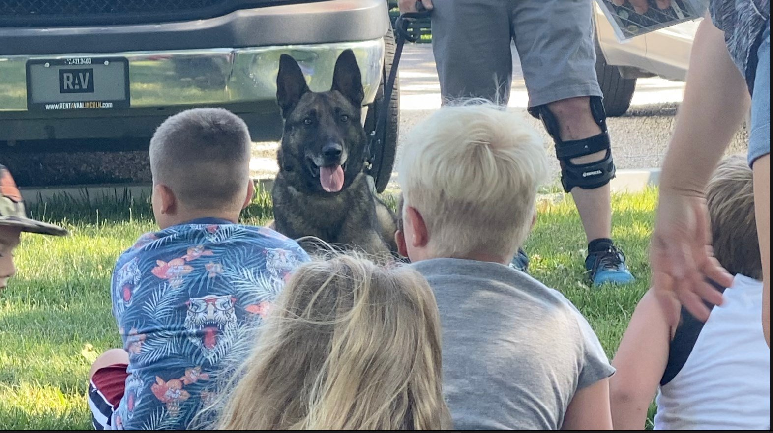 Police sergeant healing with K9 Mack