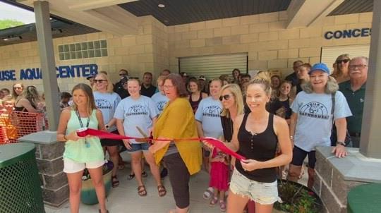 Syracuse pool opens in bathhouse luxury