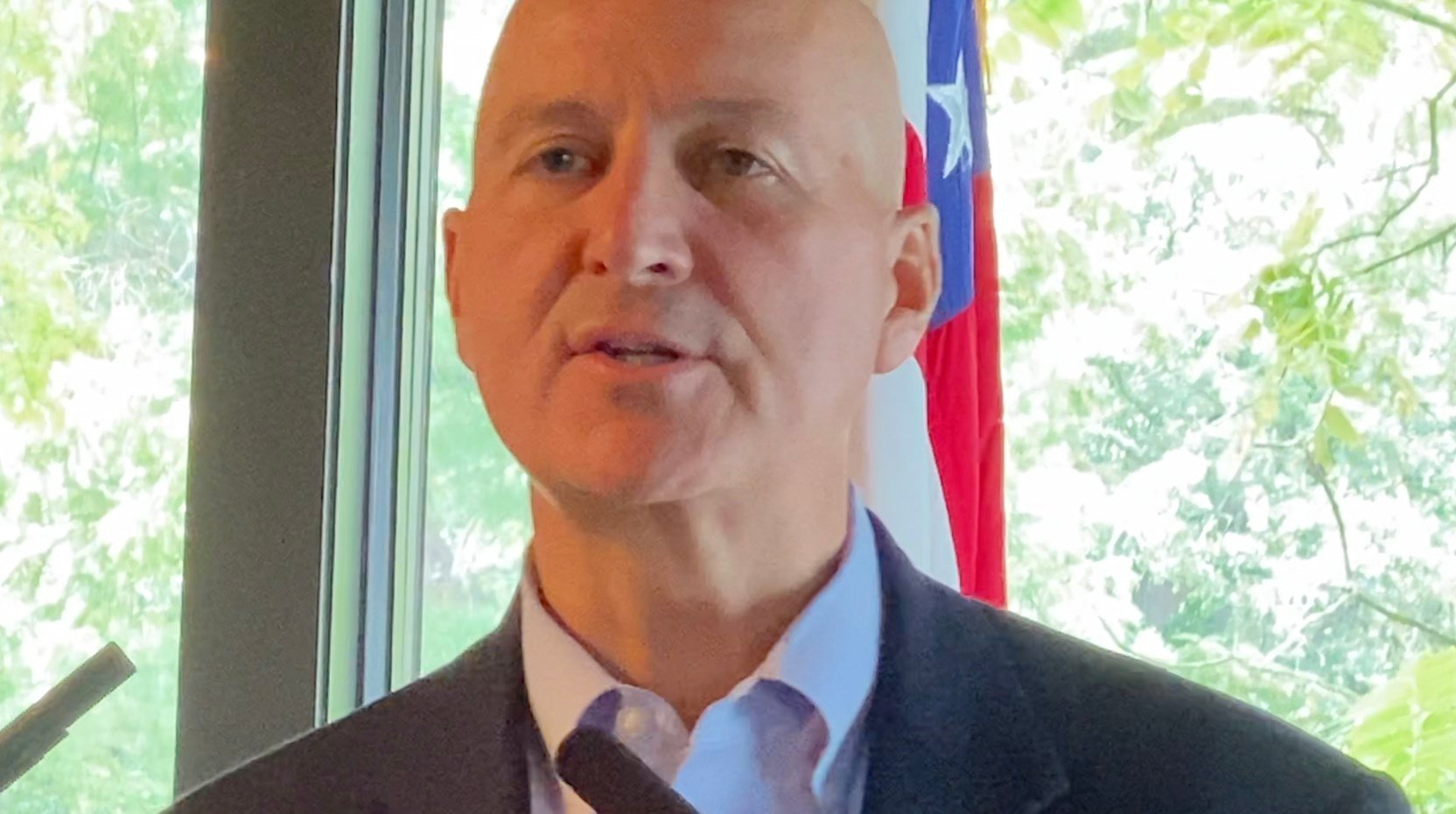 Governor reacts to postponing of health education standards